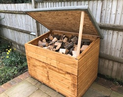 Log Chest with Chunks